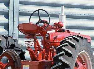 The History Of Farmall Tractors  1940-1954 - Tools