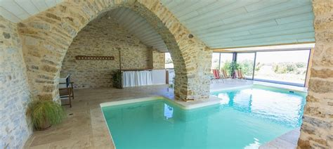 chambre d hote avec piscine couverte les caselles chambres table d 39 hôtes gite piscine millau
