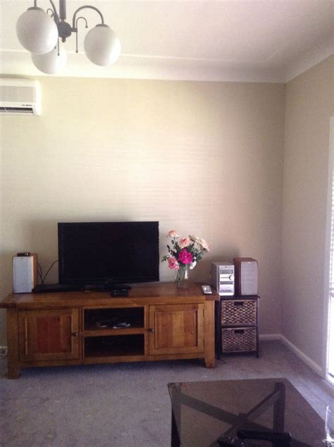 dulux hogs bristle full paint   neutral paint colors living room designs wall colors
