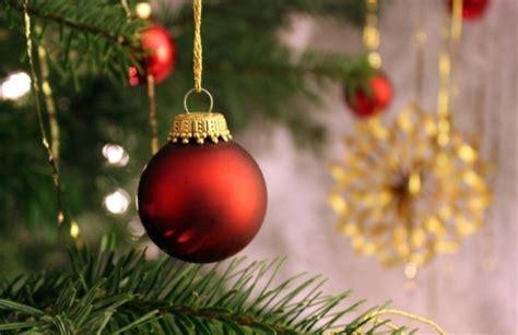 weihnachtszeit fuer kinder christbaumschmuck und  auf