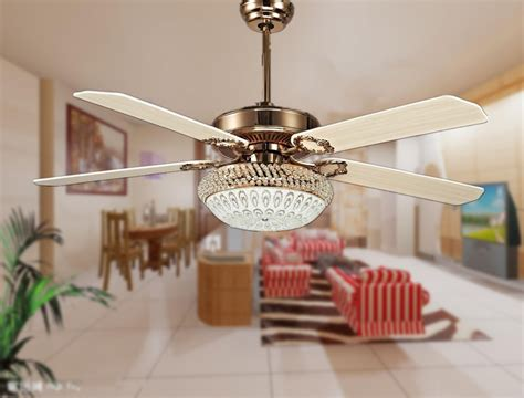 Best Ceiling Fans For Living Room With Dining Fan Light Casual Dining Rooms Two Tone Room Sets Victorian Living Design Baby Rectangular Shelves Dividers Kids Floor Lamps Cool Laundry