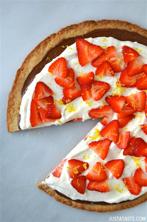 strawberry mascarpone dessert pizza recipe