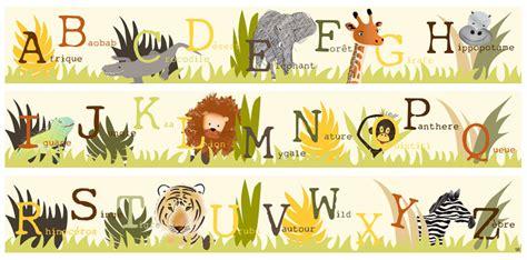 dessin chambre bébé fille frise abécé safari dans la jungle