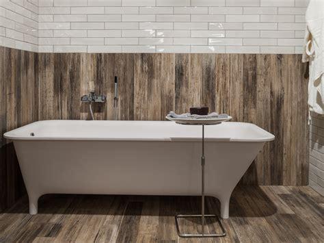 mur salle de bain carrelage mur salle de bain aspect bois