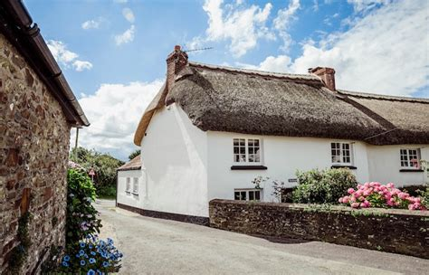 Romantic Cottage In Devon