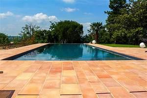 Piscine A Débordement : piscine d bordement portelli ~ Farleysfitness.com Idées de Décoration