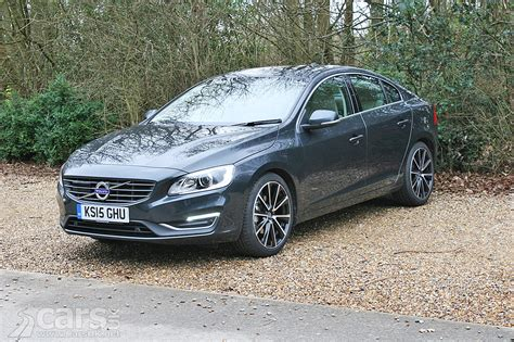 volvo   se lux nav geartronic review  cars uk