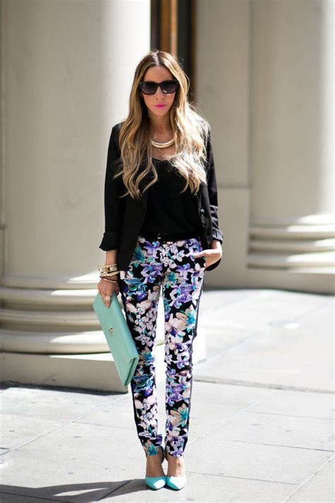 How to Wear Floral Pants and Look Glamorous and Chic 2018   Become Chic