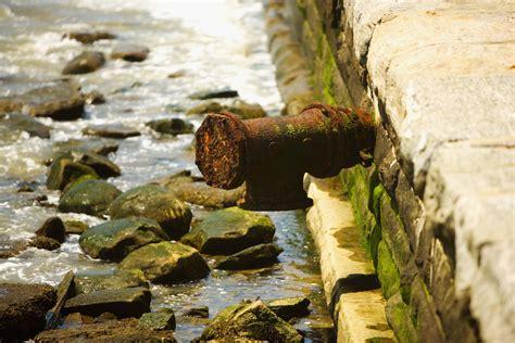 avoid galvanic corrosion