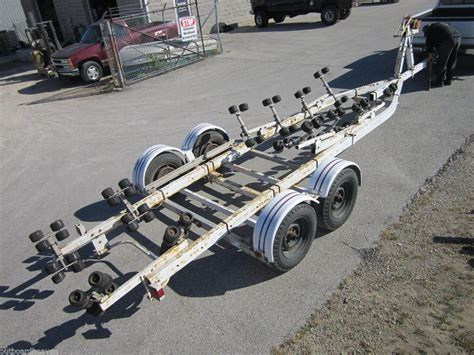 Boat Trailer Electric Brakes by 24 26 Foot Ez Loader Boat Trailer Rollers Electric Brakes