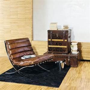 Canapé Vintage Maison Du Monde : fauteuil en cuir marron effet vieilli en 2019 chaises fauteuils brown leather armchair ~ Nature-et-papiers.com Idées de Décoration