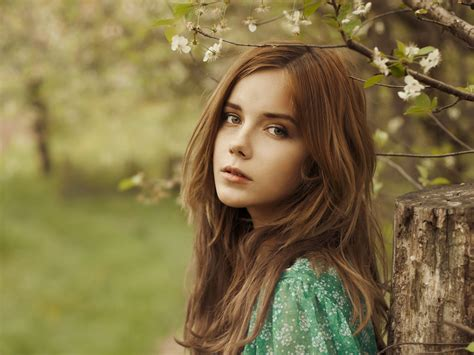 Beautiful Brown Hair by Wallpaper Beautiful Brown Hair In The Forest
