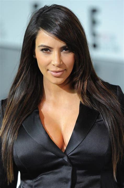 foto de Kim Kardashian Bra Size Pics and Info at HerBraSize