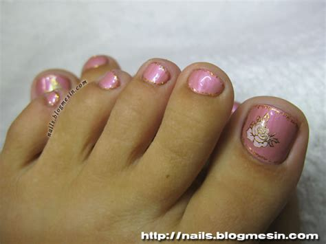 Gel Nail Polish Toenails Design With Glitter And Flowers