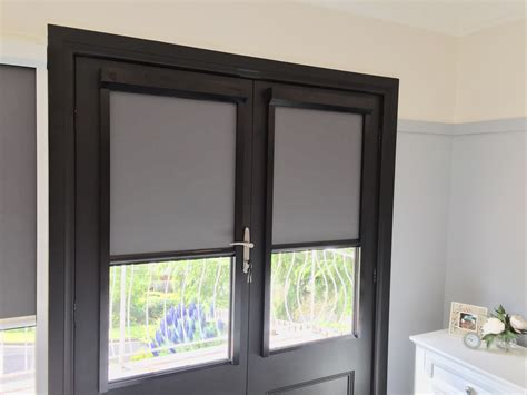 Venetian blinds are horizontal slats that allow you to control the amount of light that passes external blinds typically have loose cords that can be damaged easily and pose a hazard risk to children and pets. Glass door Blind install