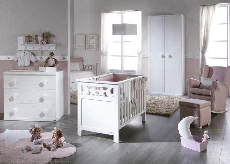 fauteuil a bascule chambre bebe simple livraison offerte chambre bebe haut de gamme avec