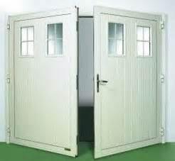 bleu menuiseries portes de garage With porte de garage basculante avec portillon pour cremone porte d entrée 5 points
