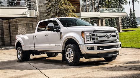 Ford reveals $100,000 F 450 pickup truck