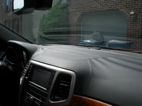 jeep grand cherokee leather dash  delaminated