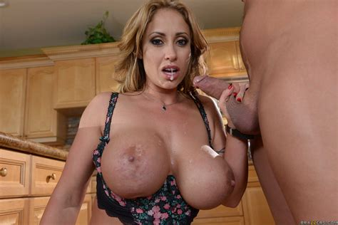 Eva Notty In Milf Squad Vegas The Stakeout Brazzers Love