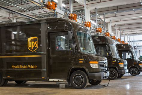 UPS introduces 'groundbreaking' hybrid electric delivery trucks - Electric & Hybrid Vehicle ...