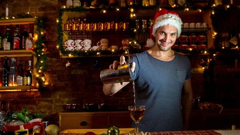 top restaurant  bar holiday decorations