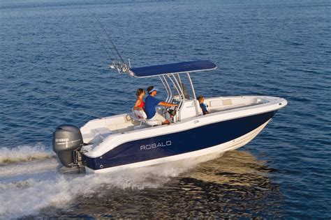 Robalo Boats Europe by 2016 Robalo 200 Center Console Gallery