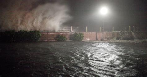 hurricane radar  dead  matthew lashes florida ny daily news