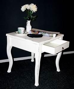 Couchtisch Vintage Weiß : massivholz beistelltisch wei antik couchtisch mit ~ Pilothousefishingboats.com Haus und Dekorationen