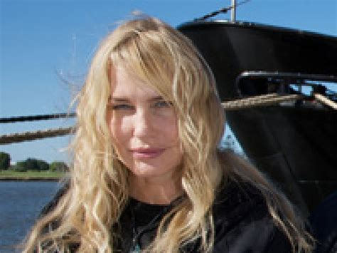 jessica knoblauch actress friday finds daryl hannah gets her hands dirty earthjustice