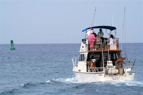 Fishing Charter Boat Hawaii by Local Marine Supplies Experts Have 3 Beach Activities To