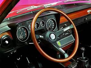 Alfa Romeo Alfetta Specs  U0026 Photos