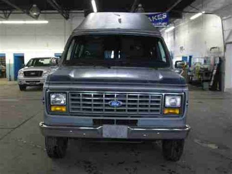 buy  ford econoline   extended fiesta xrt