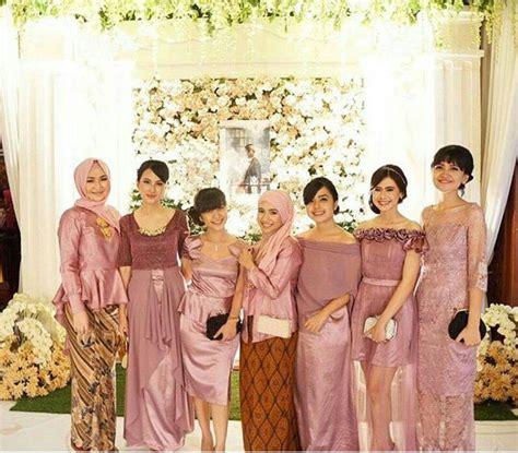 model kebaya seragam trend  pernikahan acara keluarga