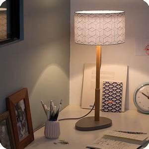 Abat Jour Lampe Sur Pied : lampe sur pied design en bois naturel et medium gris b ton ~ Nature-et-papiers.com Idées de Décoration