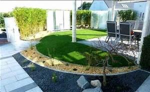 Garten Terrasse Gestalten : kleingarten gestalten terrasse sichtschutz bambusmatten gehweg kies mit holz und pflanzen ~ One.caynefoto.club Haus und Dekorationen