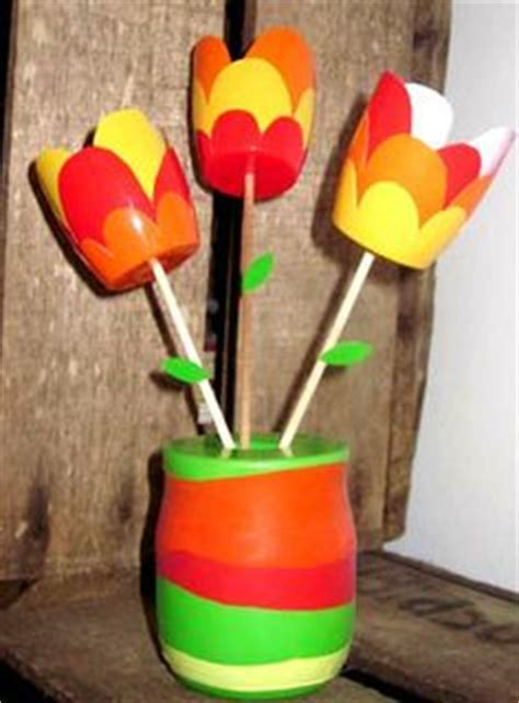 1000 images about bricolages pots yaourts plastique on pots bricolage and collage