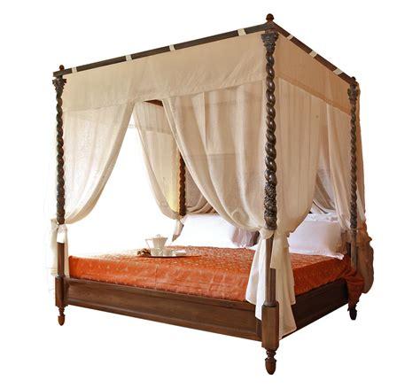 letti a baldacchino in legno letto a baldacchino in legno con colonne intagliate anche
