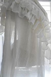 Rideau Dentelle Romantique : rideau shabby chic le grenier dalice rideau romantique en voile de lin ivoire volant froufrou ~ Teatrodelosmanantiales.com Idées de Décoration