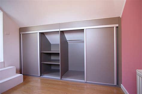 fabriquer un sous de bureau fabriquer placard sous pente de toit affordable comment