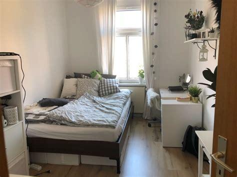 Schreibtisch Für Kleine Zimmer by Sch 246 Ne Einrichtungsidee F 252 R Ein Kleines Wg Zimmer