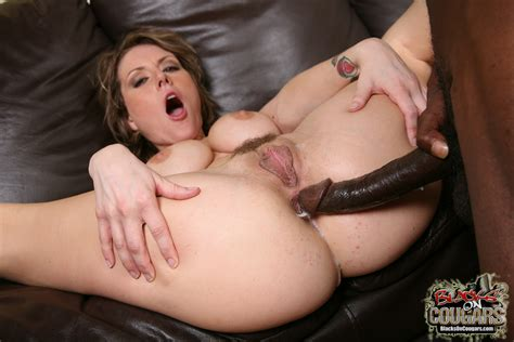 Dirty Cougar Velicity Von Gets Dped By Two Black Cocks
