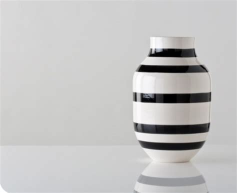 Black And White Vase by Large Black And White Omaggio Vase Contemporary Vases