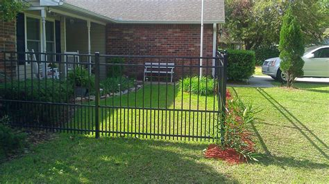 yard fences  dogs fence ideas site
