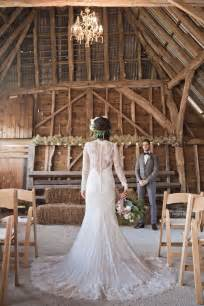 Primitive Decorating Ideas For Fall by 30 Romantic Indoor Barn Wedding Decor Ideas With Lights