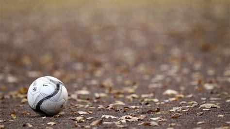 berliner amateur fussballer ueber das dreckige geschaeft auf