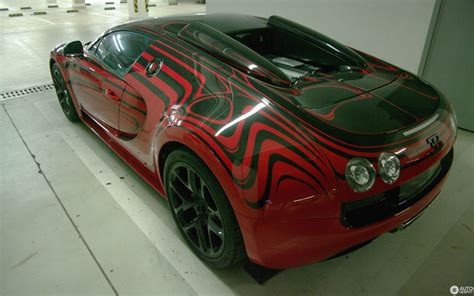 The supercar set another world speed record for the brand. Bugatti Veyron 16.4 Grand Sport Vitesse L'Or Rouge - 10 August 2014 - Autogespot