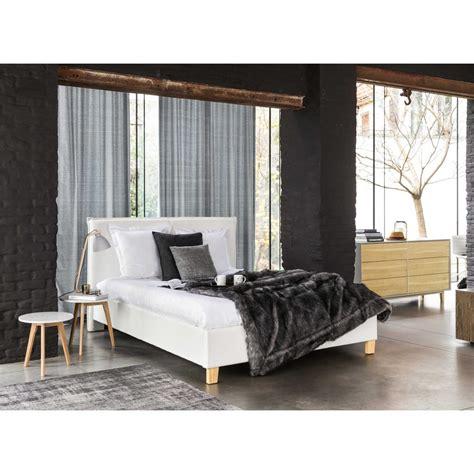 lit avec sommier 160x200 lit coffre avec sommier 224 lattes 160x200 blanc pillow maisons du monde