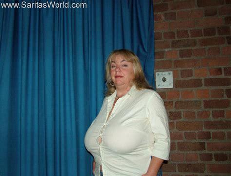 Buttons Sarita