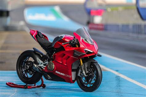 ducati panigale v4r 2019 on review